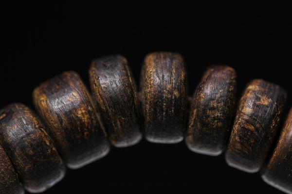 www.qy588.vip_什么是树心油沉香?树心油沉香品质怎么样?